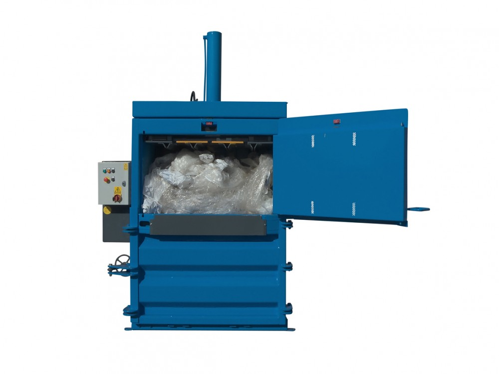 QCR V50 baler for plastic